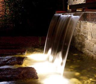 Beleuchtung des Wasserspiels