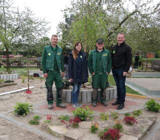 Josse Witte und Patrick Höbermann von Hoppe Garten- und Landschaftsbau