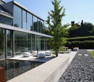 Moderne Steinterrasse