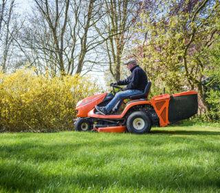 Rasenpflege: Mäharbeiten